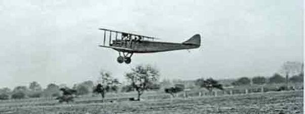 René Tampier Avion-automobile in flight, 1917