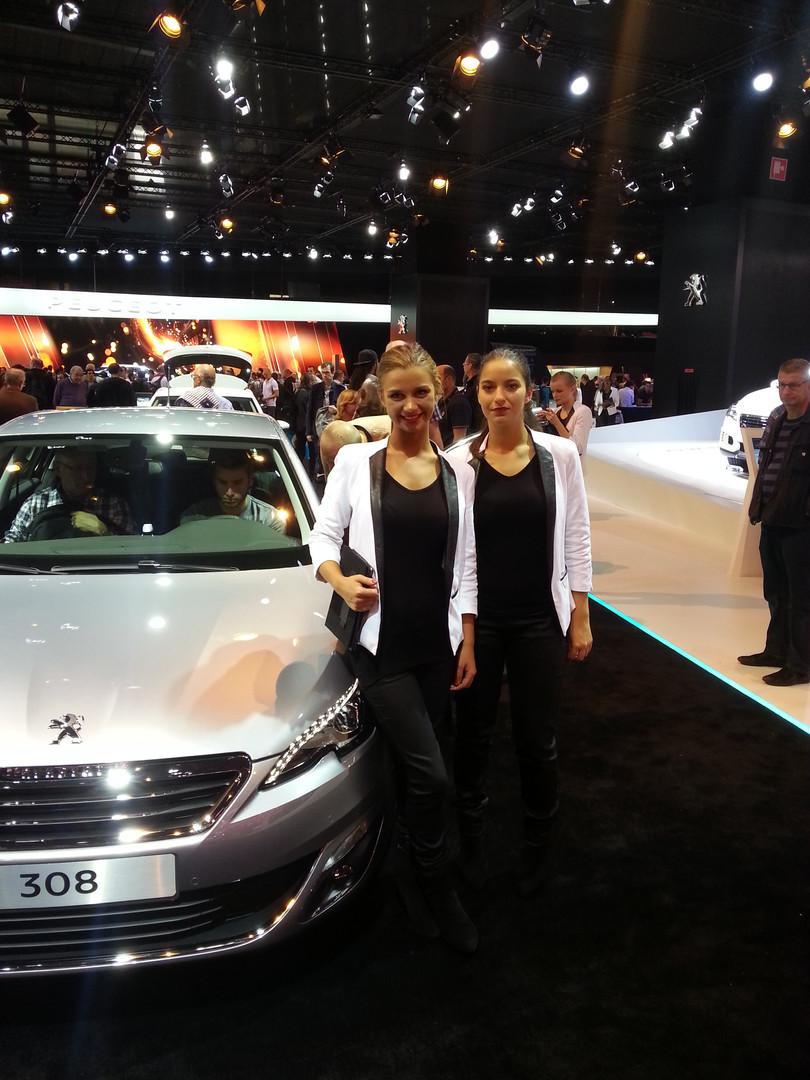 Peugeot_hôte et hotesse_5.jpg