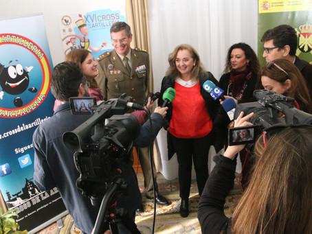 Entrega del cheque del Cross a la Asociación Española contra el cáncer