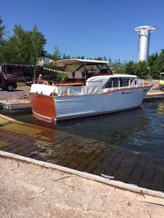 classic-yacht1.JPG