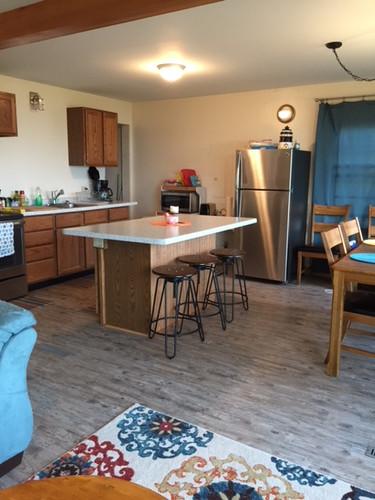 cabin-kitchen.JPG