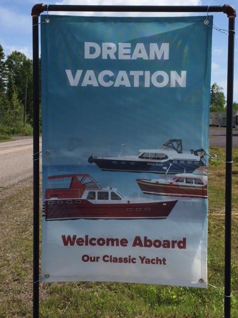 sign-classic-yacht.JPG