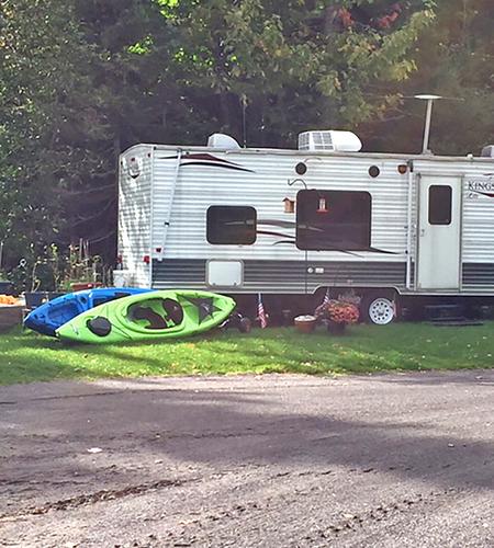 campsite-kayaks.png