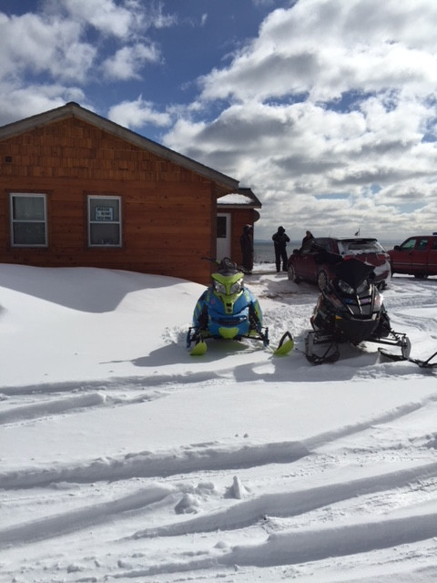 cabin-snowmobiles.JPG