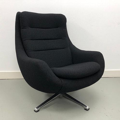 Overman AB Egg Chair