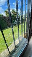 vetro rotto.jpg