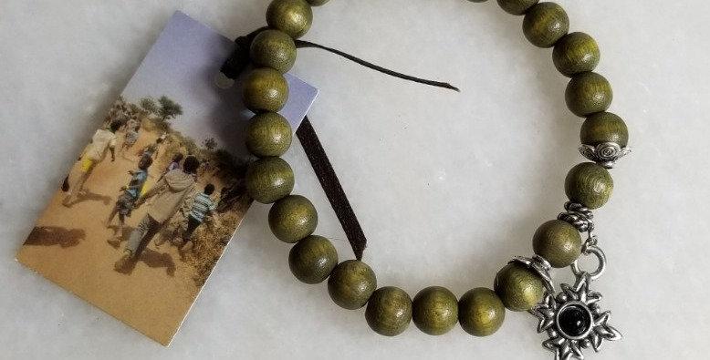 "Bracelet - Black Star Green Wood -6 1/2"""