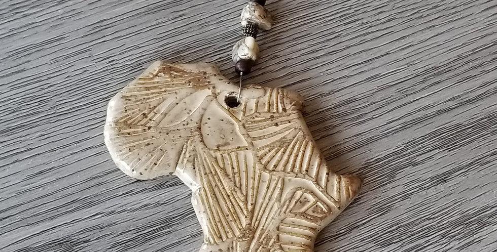 Ceramic Africa Ornament w. Beads - Cream w. Specks