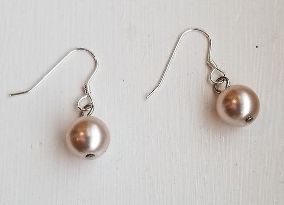 #E-12 - Cream Glass Pearl