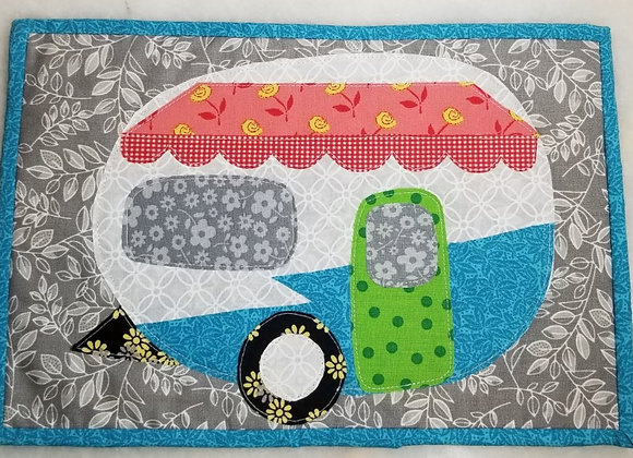 Wall Hanging Retro Trailer Quilted #Qlt-3 - Coral Awn Grn Door Turq Piping