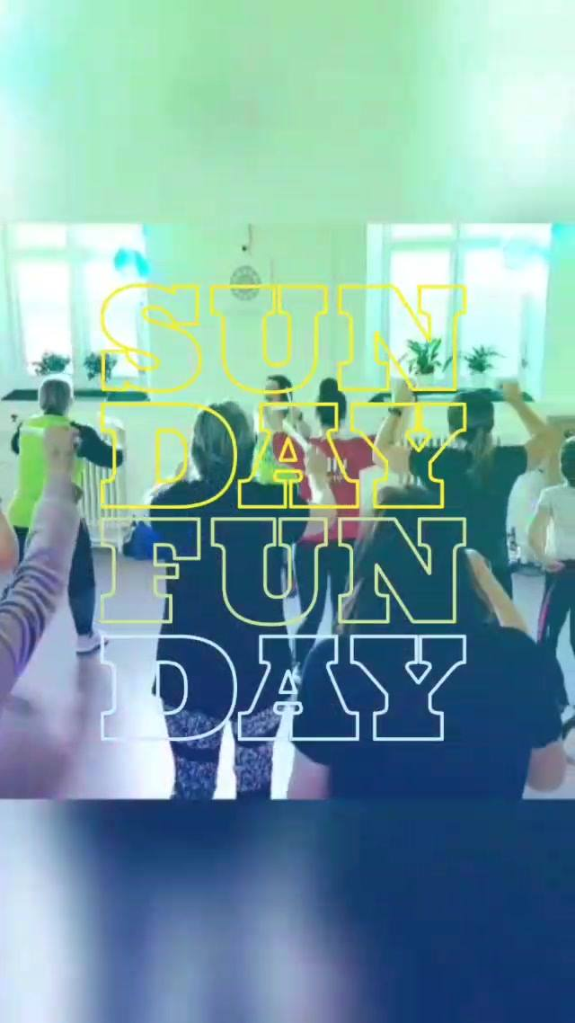 🙄Reminiscing on last week's Clubbercise taster with LadyC At Fresh Fitness - Brightlingsea open day!🌟  We are there every Monday  6.30pm family friendly class and the main class at 7.30pm!  🎶Book online or just turn up and pay on the door 🎶