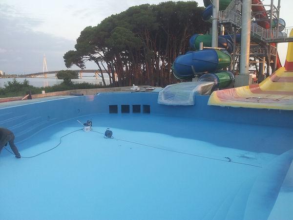 SCHWIMMBAD-Abdichtung-Schwimmbadsanierun