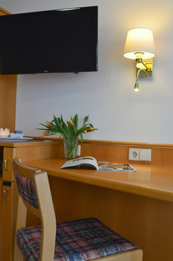 Schreibtisch - für Ihr Lesevergnügen