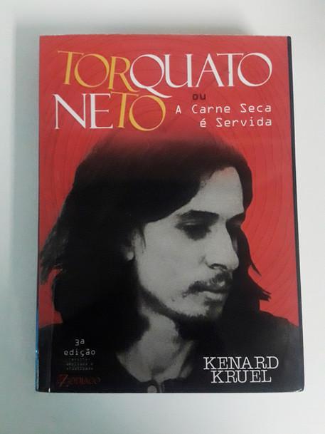 A_carne_seca_é_servida_-_capa.jpg