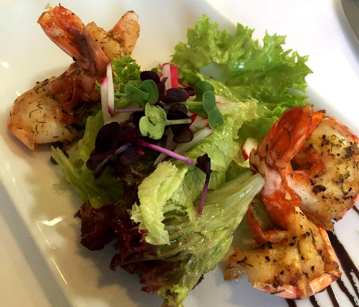 Vorspeise, Salat mit Garnelen