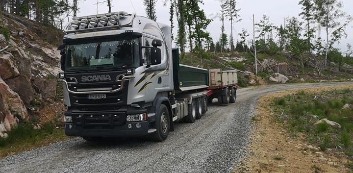 Skogsbilsvägsgrusning.jpg