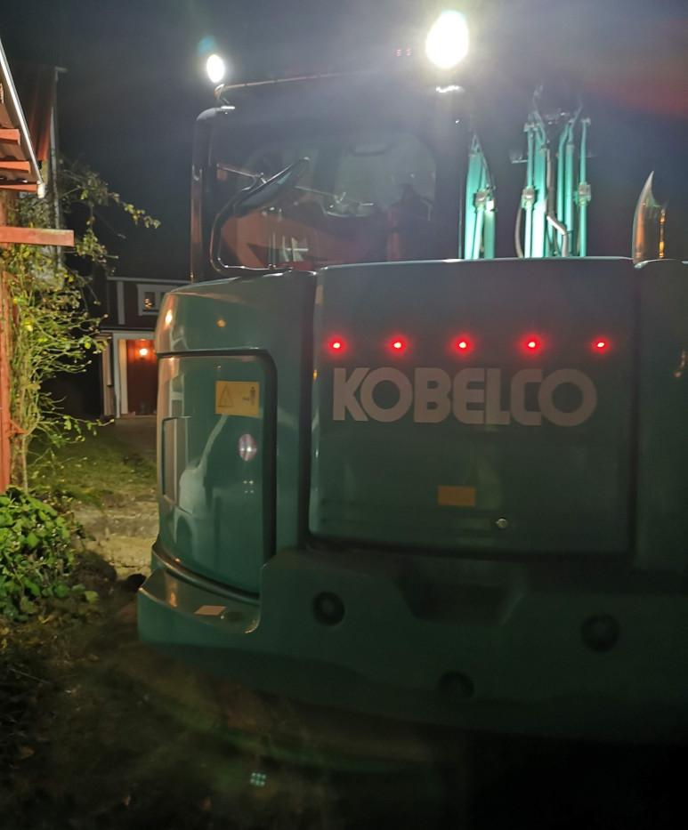 Kobelco-773x1030.jpg
