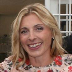 Dr Clare Nieland