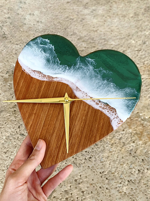 Resin Clock | Heart of the Ocean 1