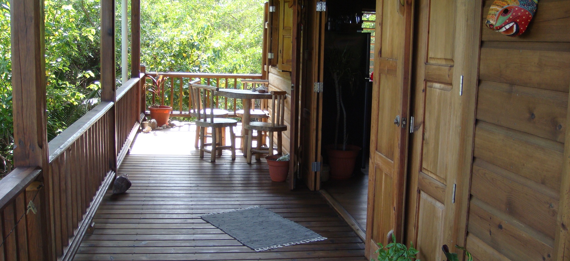 3. dine on your large porch in the shado