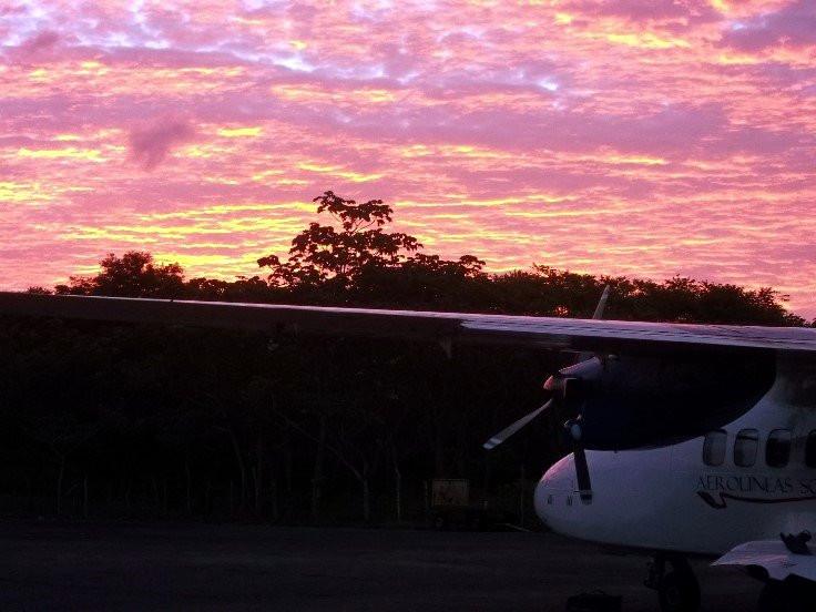 Utila Sunrise.jpg