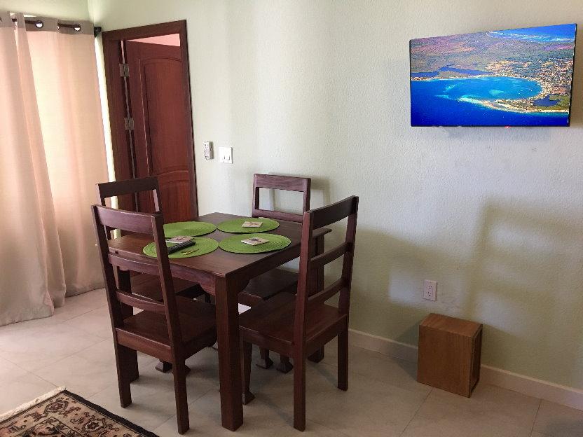 Table w Utila Photo