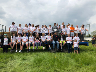 YoCO young people, their leaders, friends and family and YoCO Trustees at the 2019 Buttercup Run