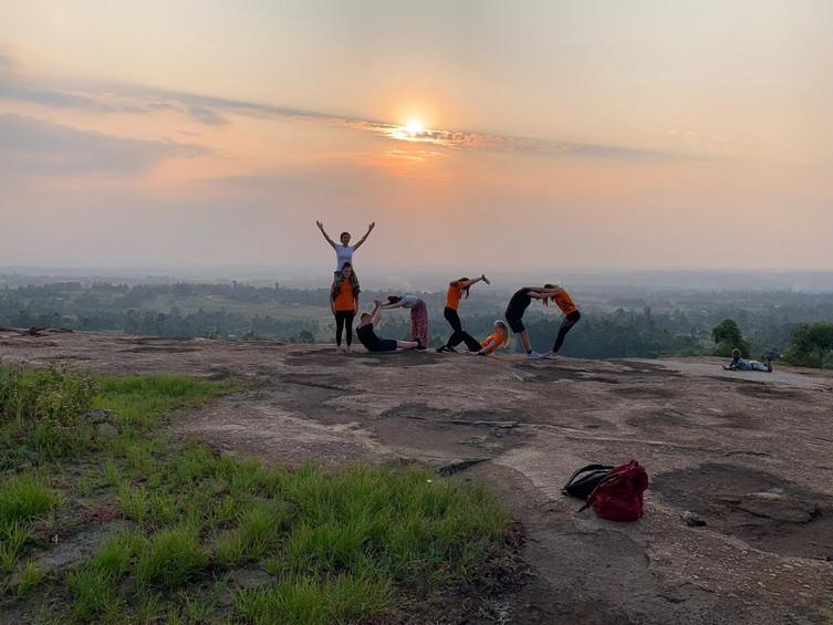 YoCO Faringdon group posing at a lovely Kenyan sunset whilst on their 2019 volunteering trip