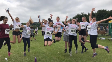 YoCO Faringdon group at sponsored run to help raise money for their volunteering trip to Kenya