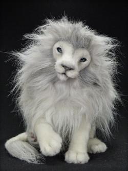 White Lion MOONLIGHT