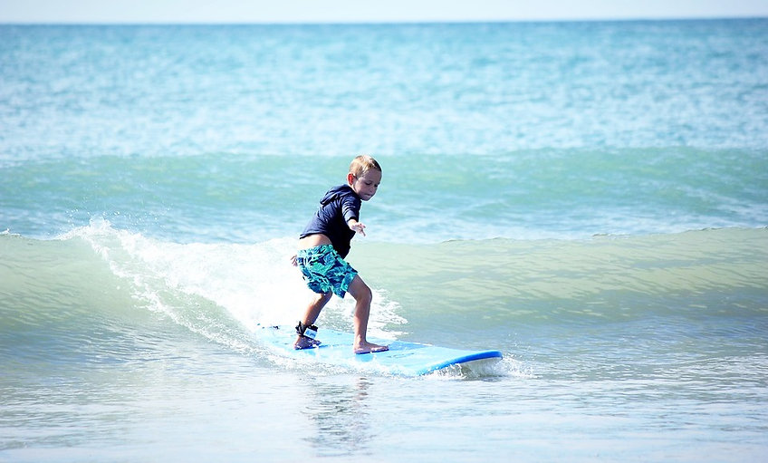 Surf lesson for kids in Venice Beach, Los Angeles