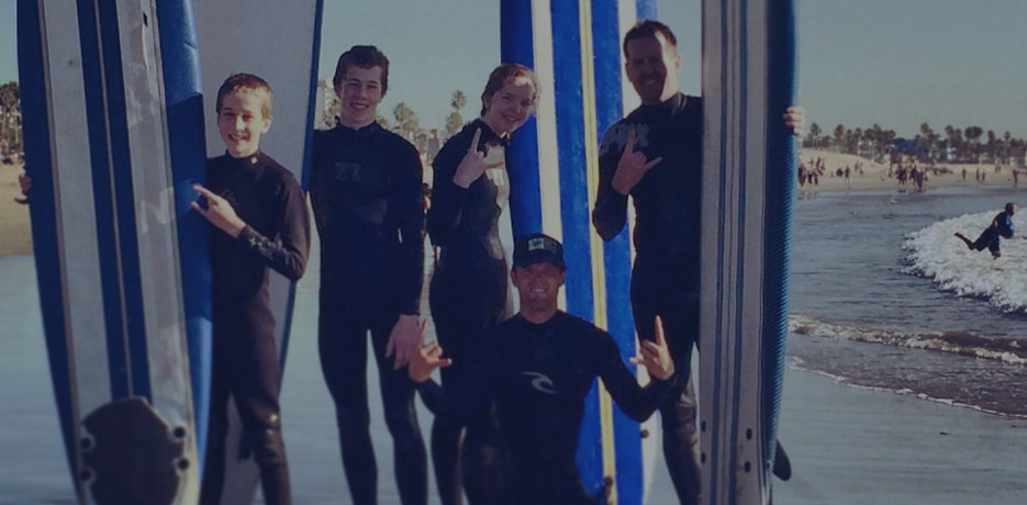 Group surf lesson in Venice Beach, Lo Angeles