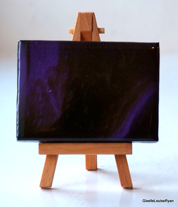 Little (teeny tiny) Cutie with easel LCE010