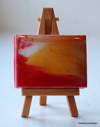 Little (teeny tiny) Cutie with easel LCE007