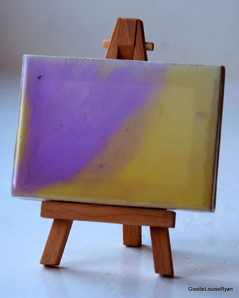 Little (teeny tiny) Cutie with easel LCE008