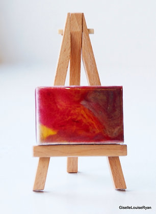 Little (teeny tiny) Cutie with easel LCE022