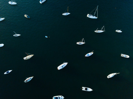 bird's eye view, yachts on harbour