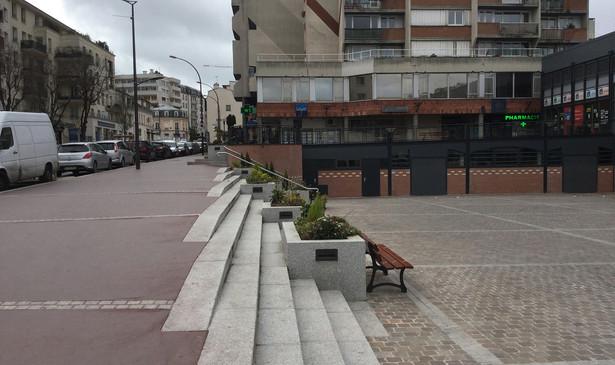 PA350_-_Chatillon_place_du_marché_13.JPG