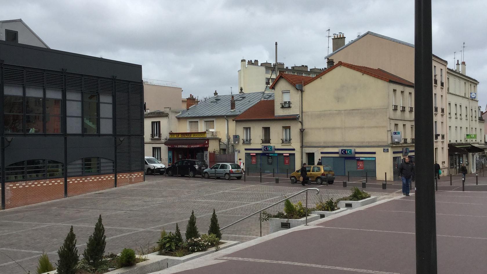 PA350_-_Chatillon_place_du_marché_010.JP