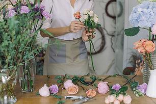 flower-business-scissors-creative-shop-w