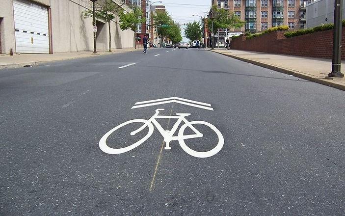 Bicycle & car road sharing symbol_edited