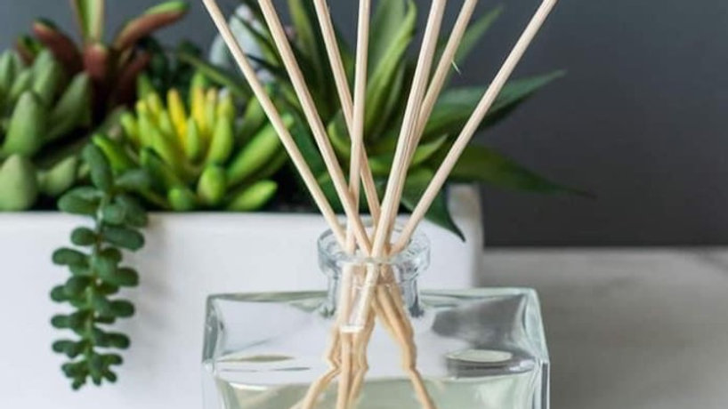 Reed diffusers - ZOFLO Dupes