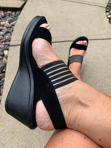 Use my code, get extra 30% OFF My Favorite Sketcher's Sandals!!