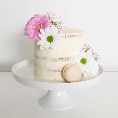 Semi naked cake macarons fresh flowers