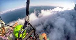 voando pela nuvem