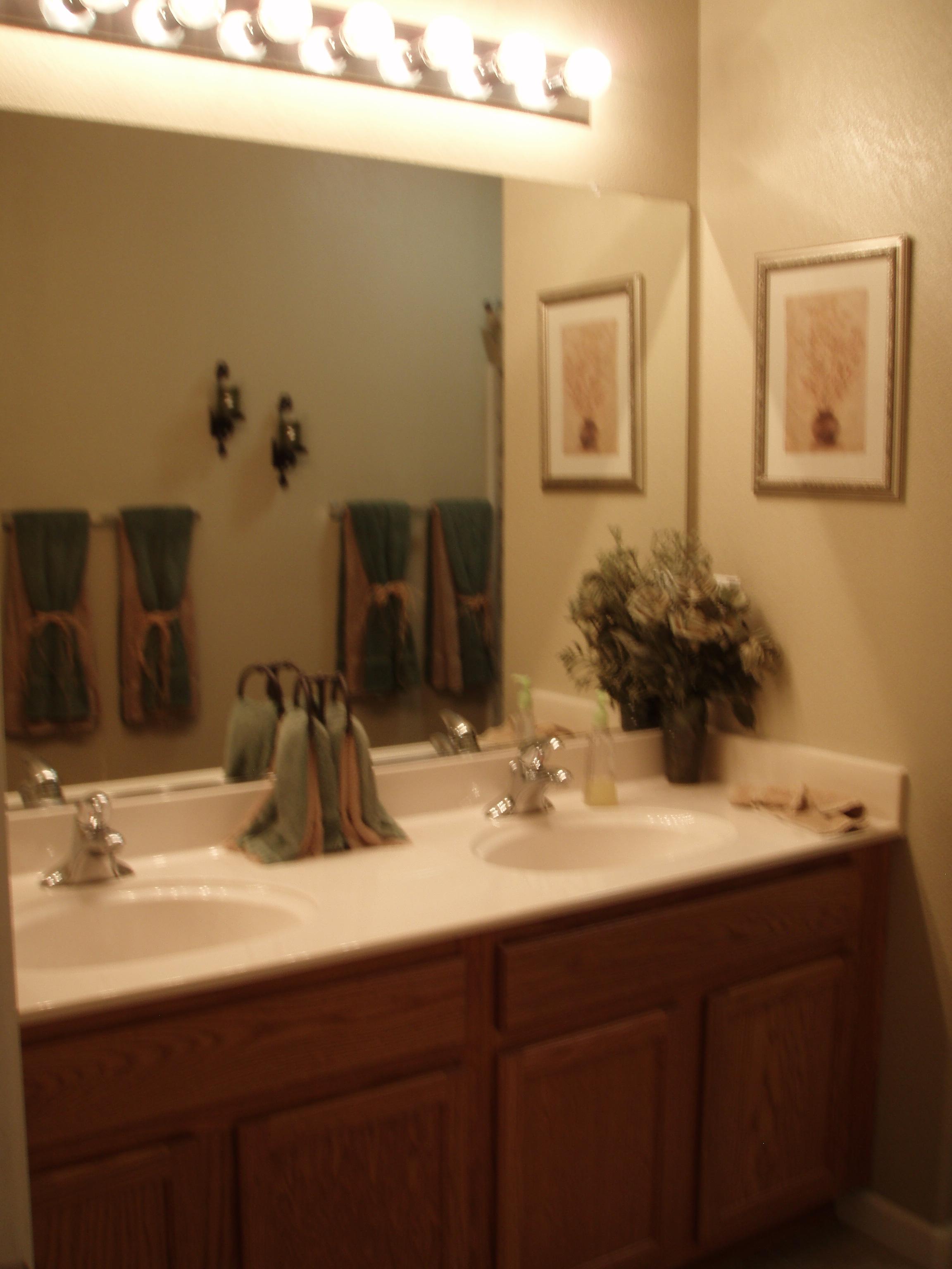 Hall Bath blury.JPG