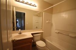 Hall Bath 2.JPG