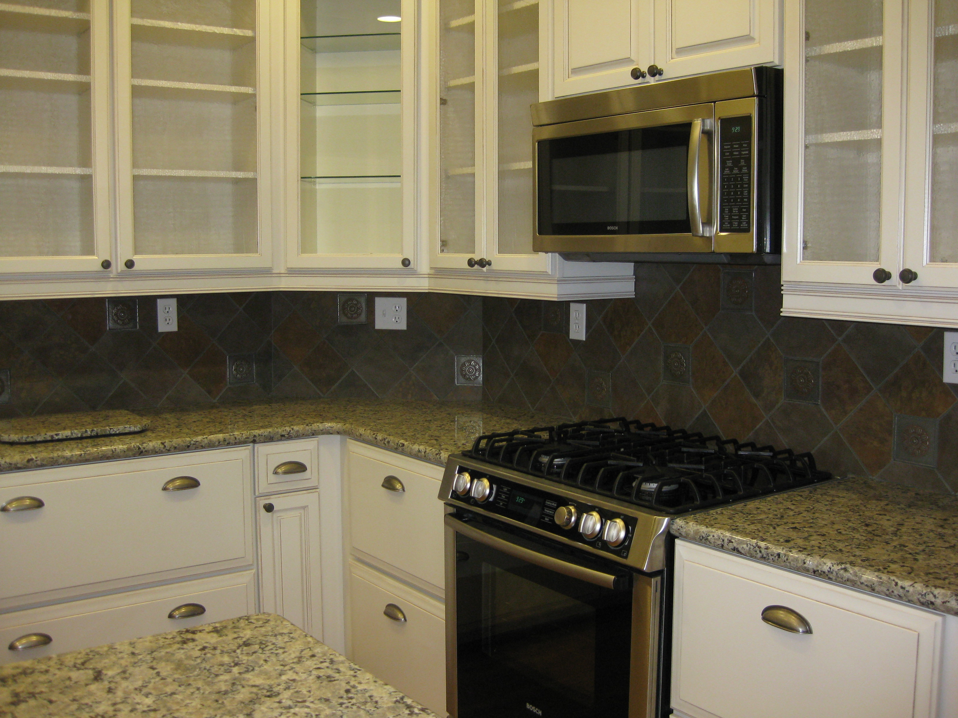 Counter Tops and Stove.JPG