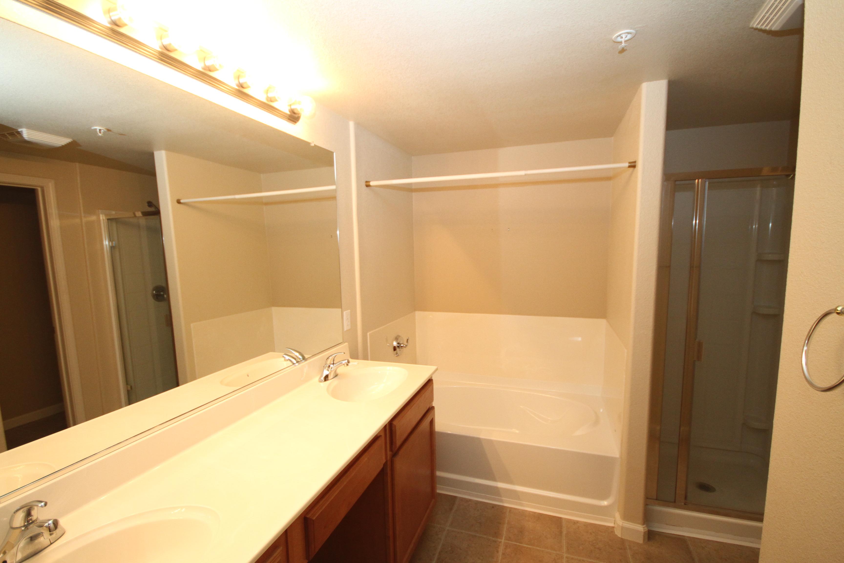 Master+Bathroom.JPG