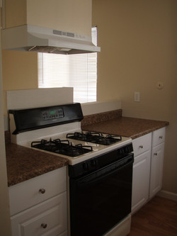 Kitchen 2 Stove.JPG